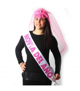 PARTY BAND AND PENIS VEIL ´BRIDE OF THE YEAR´ IN SPANISH